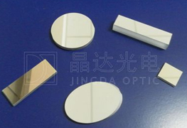 金属介质反射镜